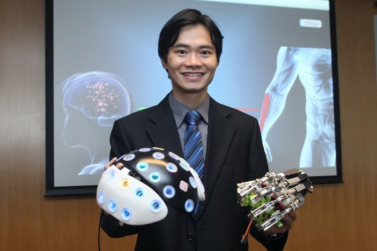 Novel Brain Training Device Reconnects the Brain and Paralyzed Limb after Stroke