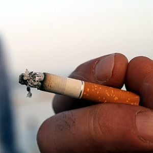 smoking increases risk of lung cancer